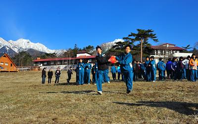 八ヶ岳の麓で元気いっぱいにクラス活動