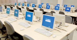 コンピュータ室 4F